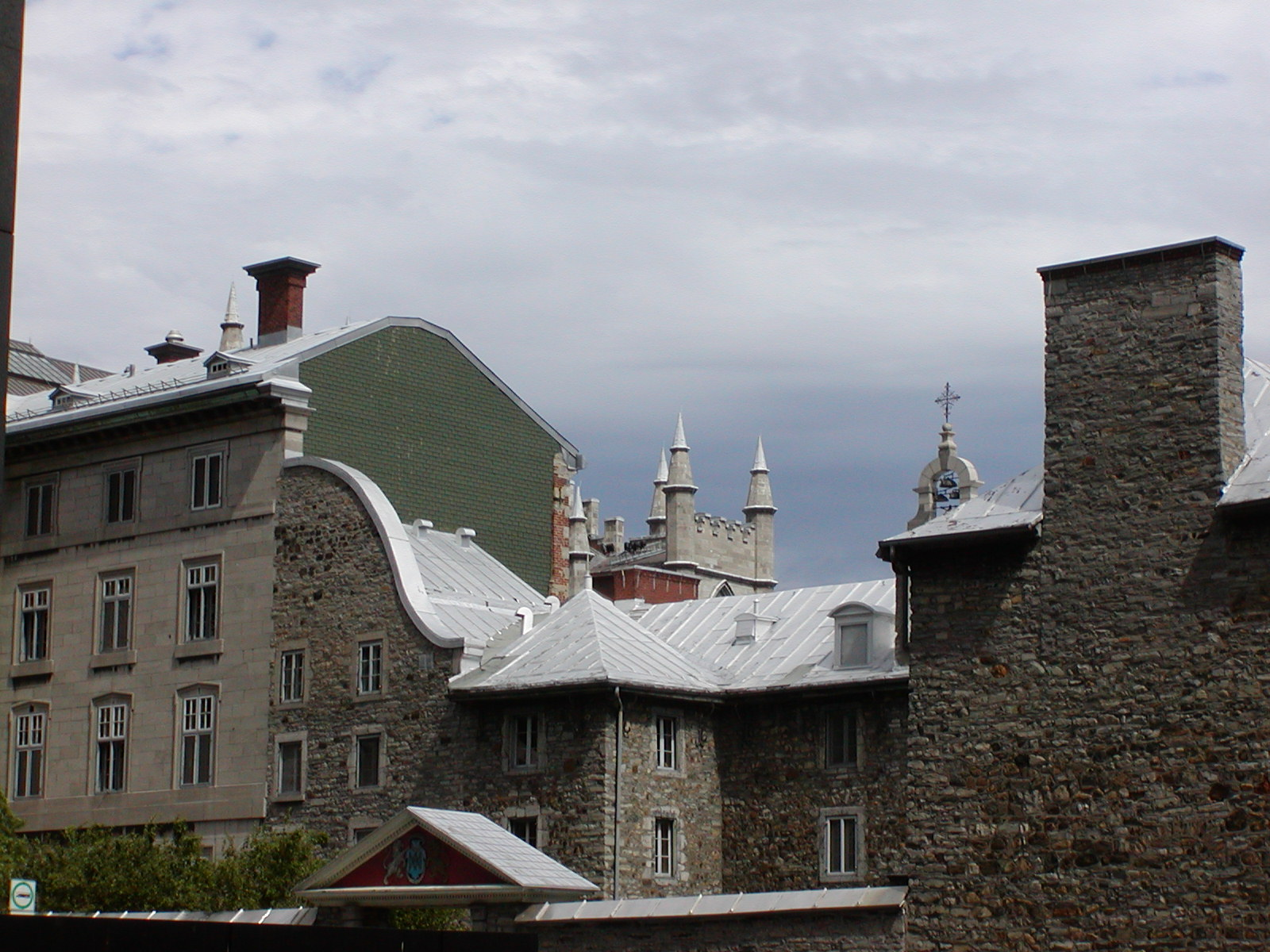 montreal roofs