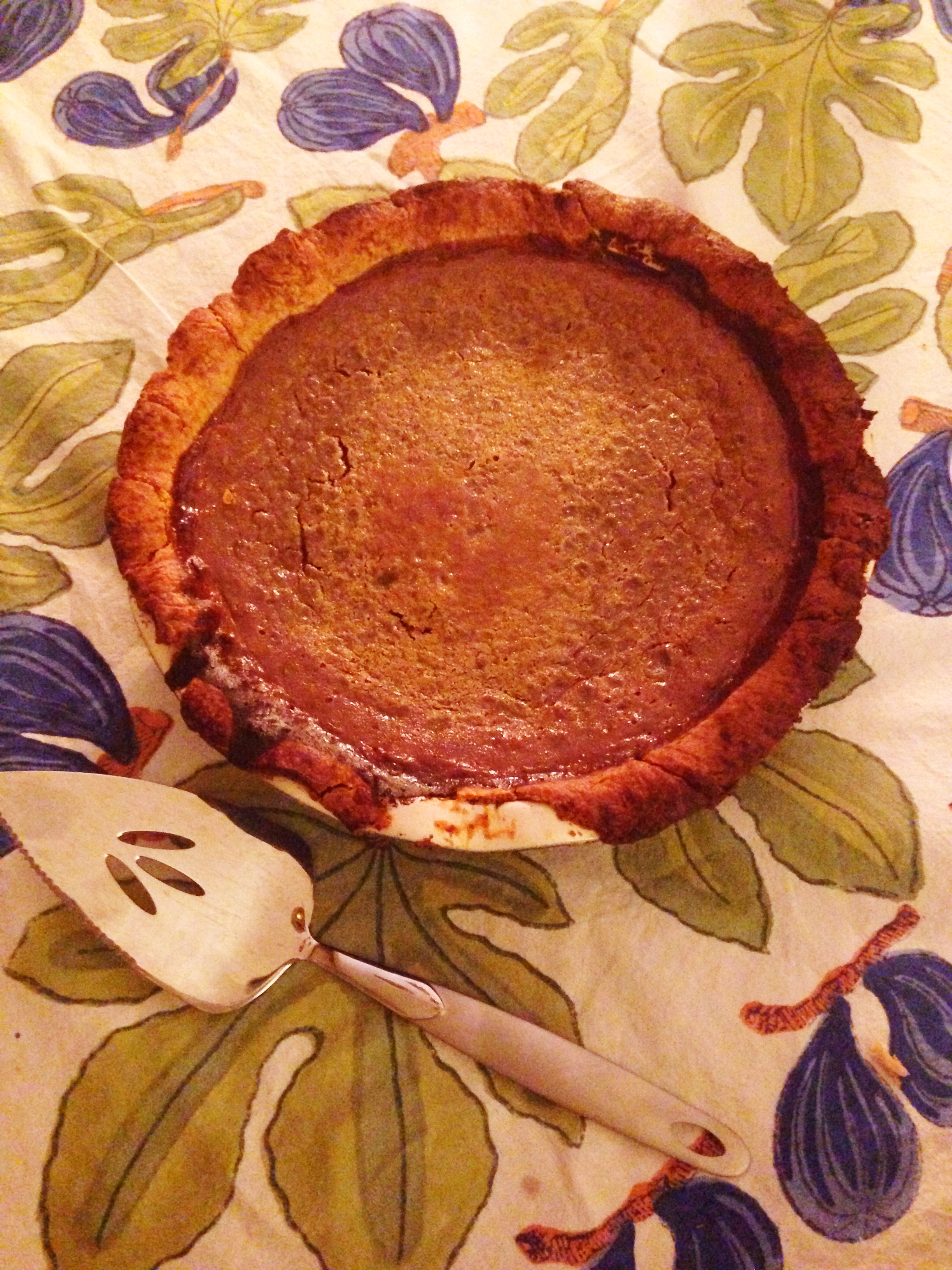 Redhead bakes pie for thanksgiving